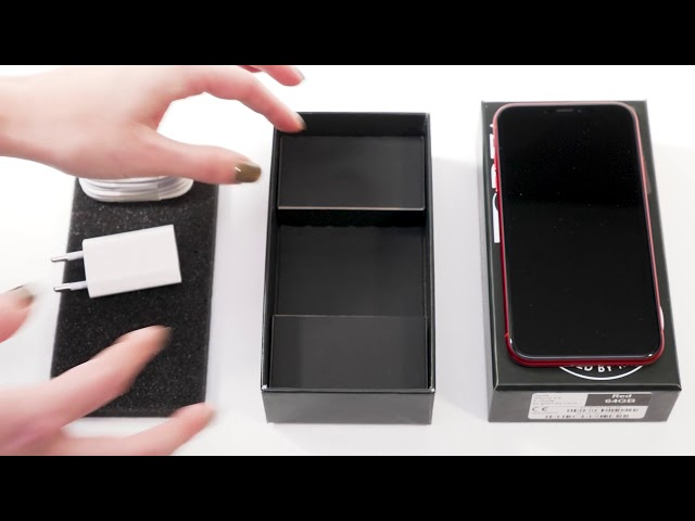 Unboxing iPhone